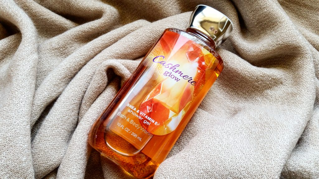 cashmere glow - bath & body works - beautyandatwist